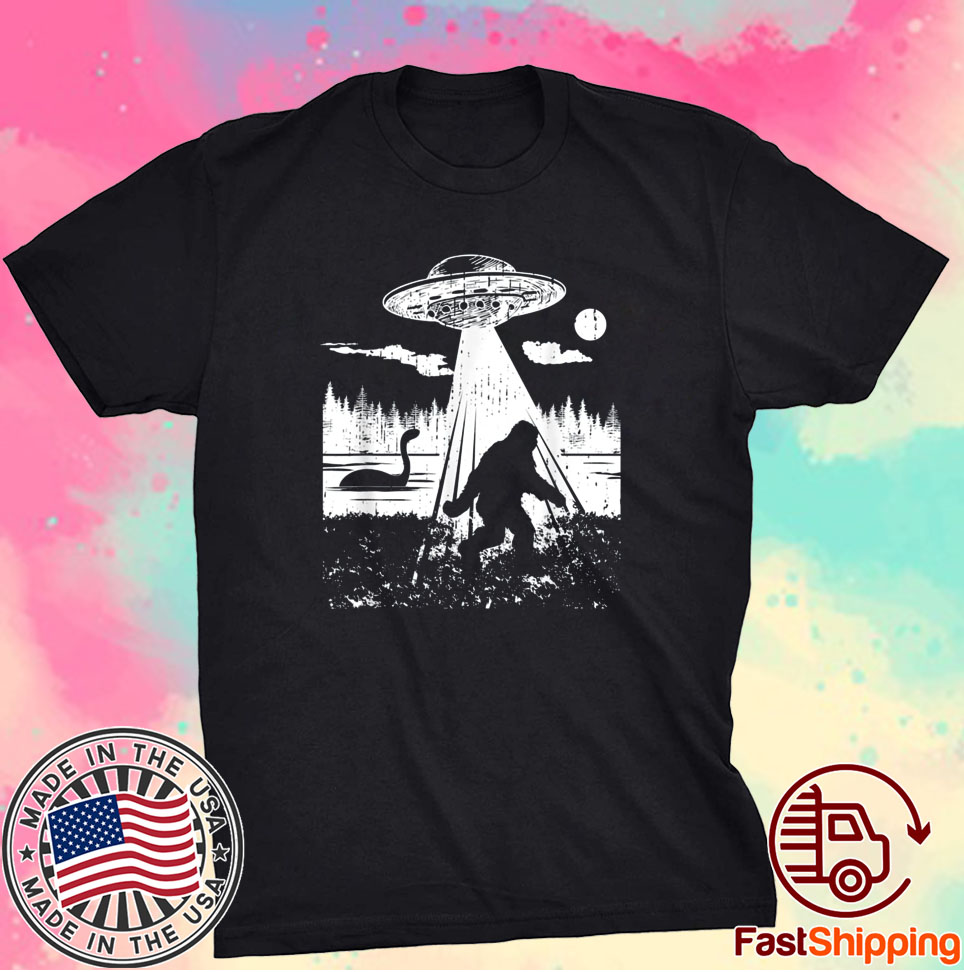 Bigfoot UFO Abduction Funny Sasquatch Aliens Cryptozoology Shirt